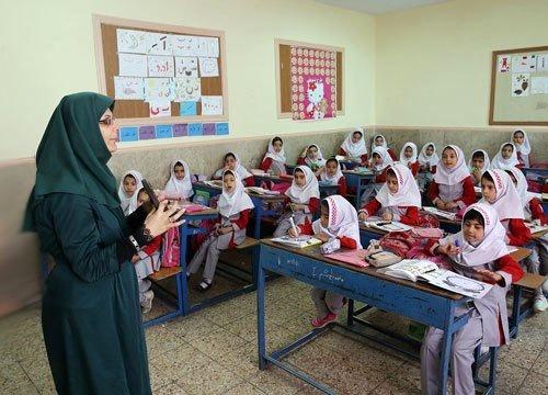 پیامدهای بحرانی استخدام ۱۲۱ هزار معلم حق التدریس در آموزش و پرورش