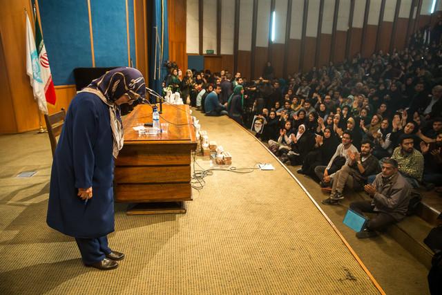 احمدینژاد بهطور سیستماتیک تلاش کرد تا زنان را به خانه بازگرداند