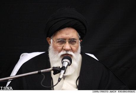 در این کره خاکی تنها کشوری که مردمش برای خودشان تصمیم می گیرند، ایران است