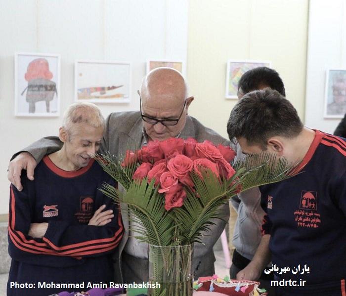 سومین نمایشگاه نقاشی و آثار دستی معلولین ذهنی تهران برگزار شد + تصاویر