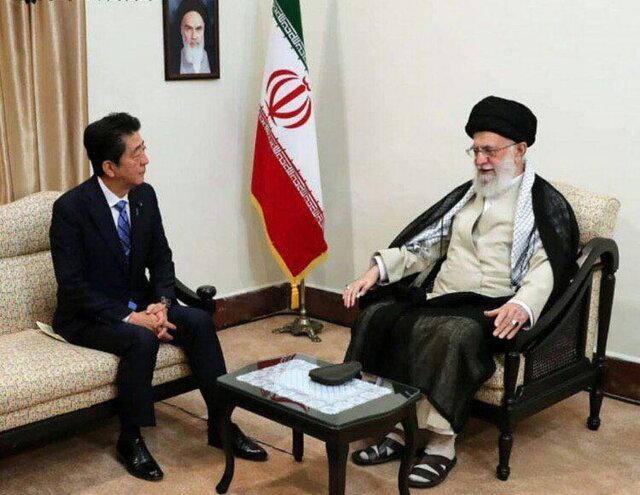 شینزو آبه با رهبر انقلاب دیدار کرد
